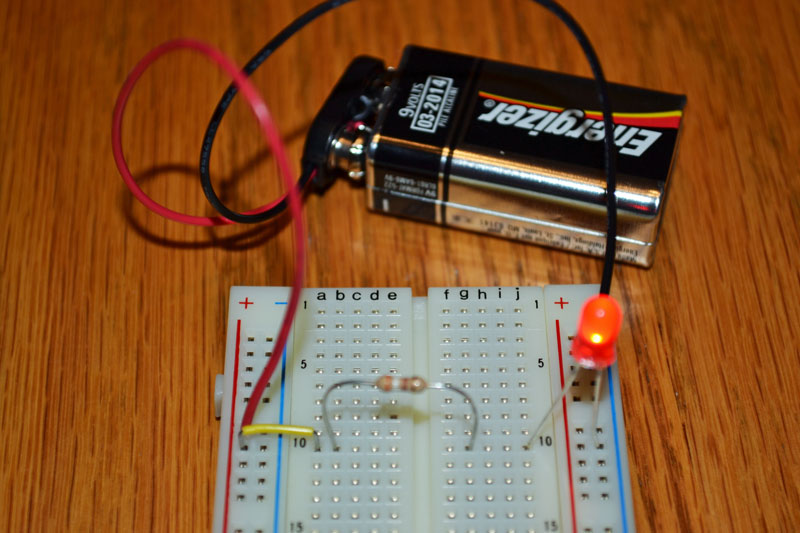 Easy LED circuit project | Science with Kids.com